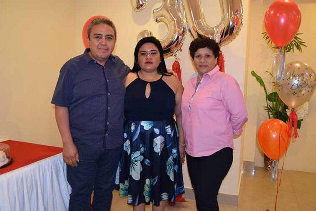 Jorge Sánchez, María Elena, María Elena Pineda.