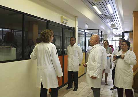 Secretario de Salud Recorre Instalaciones del Laboratorio Estatal para constatar su funcionamiento