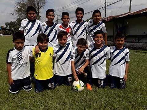Central Deportiva Barre 6-1 a la Academia Tapachula