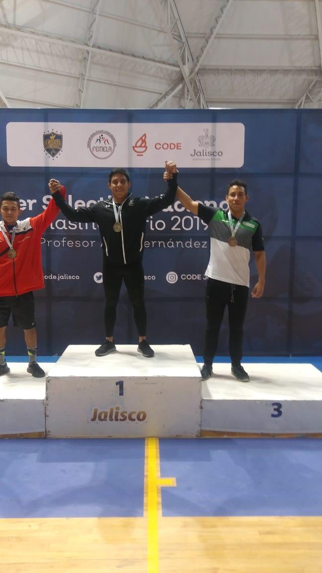 Medalla de Oro Para Chiapas en el Inicio del Nacional de Luchas