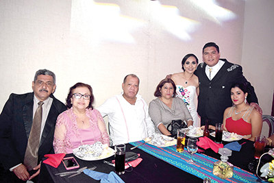 Francisco Niño, María Rasgado, Héctor Urbieta, Guadalupe Niño, Erika Niño.