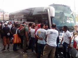 En Tapachula permanecen unos mil centroamericanos entre rezagados y nuevos arribos, que buscan integrarse en caravana para continuar su trayectoria.