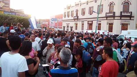 Cerca de 3 mil migrantes centroamericanos lograron cruzar la frontera de Guatemala con Chiapas de manera ilegal, e iniciaron su travesía hacia Tapachula. Por su parte, el INM detectó a extranjeros de varias nacionalidades en la caravana.