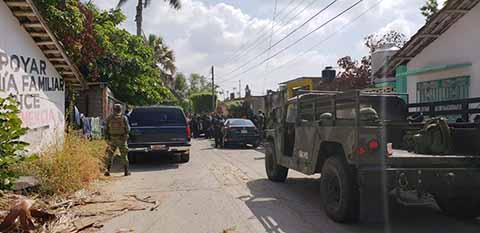 Se Enfrentan Policías y Presuntos Militares Luego de un Asalto en Mapastepec