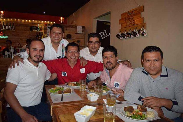 Julio De la Cruz, Otto Trujillo, Dagoberto De la Cruz, Xavier Mendoza, Oswaldo Flores, Fernando Gordillo.