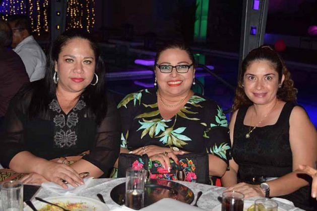 Mónica Juárez, Denise López, Alicia Hansen.