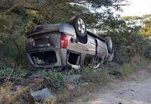 Tres Militares y Cuatro Migrantes Resultan Lesionados en Volcadura