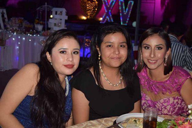 Adriana Javalois, Andrea Vázquez, Alejandra Javalois.