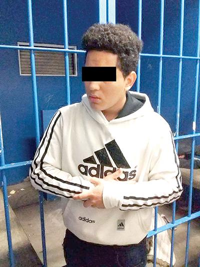 Menor Hondureño fue Detenido por Asaltar y Herir a Taxista