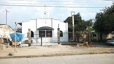 Desmantelan Iglesia Católica