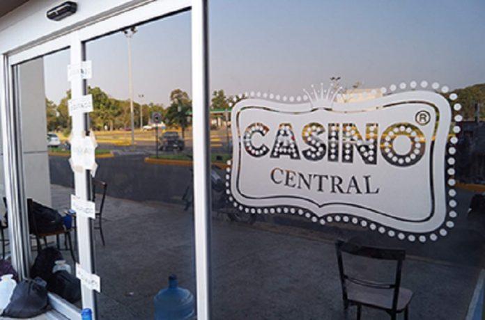 En enero del 2013, dos casinos que operaban en Tapachula y dos más en Tuxtla Gutiérrez fueron clausurados por las autoridades estatales, al presentar irregularidades en su funcionamiento y la presunta venta de drogas; sin embargo, el Colegio de Abogados advierte que se pretende reabrir dos, lo cual afectaría la economía de las familias y propiciaría una nueva fuente de inseguridad.