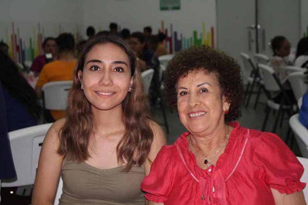 Andrea Ibarra, Clarita de Domínguez.