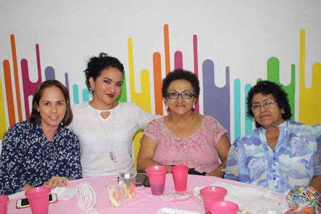 Ursula de Sánchez, Berenice de Rodas, Yolanda, Graciela Carbajal.