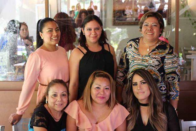Teresa Trinidad, Janice Castro, Jacqueline Sandoval, Mireya Sarmiento, Margarita Rodríguez, Elisa Muñoz.