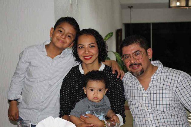 Familia Mugüerza Villalobos.