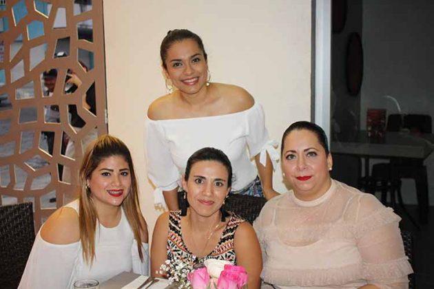 Anahí Petris, Bricia Bautista, Salima Rabban, Brenda Cruz.