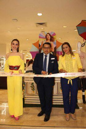 El corte del listón inaugural de ésta celebración a la belleza, estuvo a cargo de: Nancy Ochoa, reina electa de la Expo Feria Tapachula 2019; Aldrin Fernández, gerente de Liverpool; Nydia Carrascosa, jefe del departamento de Cosméticos.
