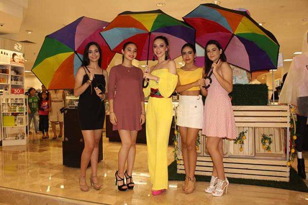 Dana Pinson, María Jimena Peñaloza, Nancy Ochoa, Fer Monzón, Isabella Castillejos.
