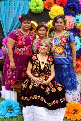 Erlinda Chiu, Gloria López, Guadalupe, Gloria Chiu.
