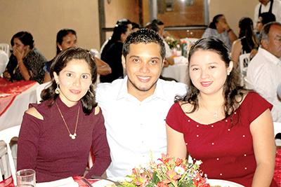 Gaby, Alexis Pinto, Saraí Zamudio.