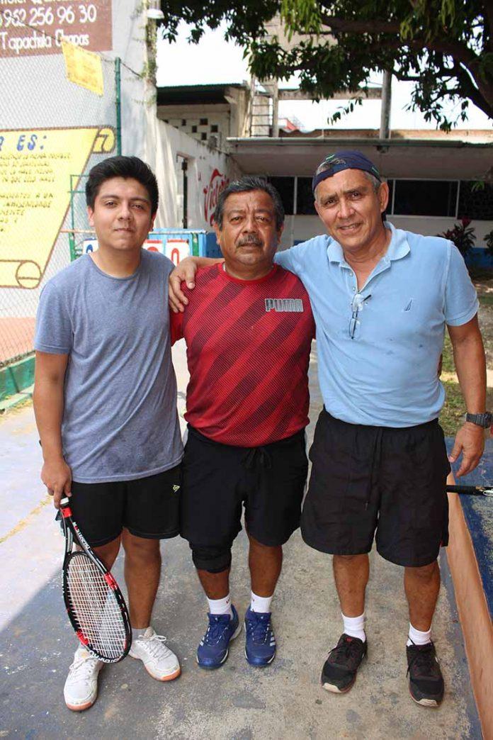 Luis, Miguel Flores, Andrés Amores.