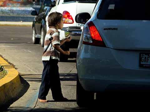 Rescatan a 14 Niños Chiapanecos que Eran Obligados a Pedir Limosna en Aguascalientes