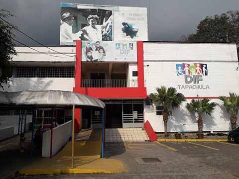 Personal Inexperto Atiende a Niños Autistas en el DIF Tapachula