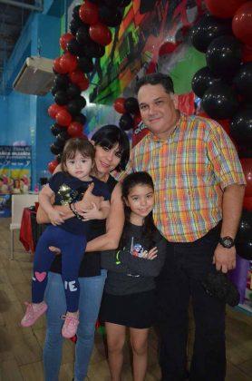 Ana Paola Ruiz, Ofelia Gordillo, Paulina Ruiz, Pablo Ruiz.