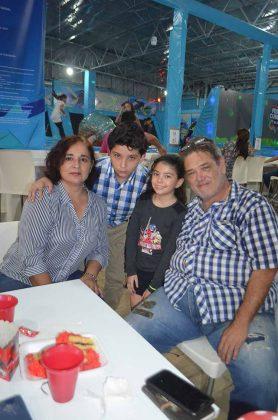 Maggi de Ruiz, Manuel Ruiz Jr, Paulina Ruiz, Manuel Ruiz Nettel.