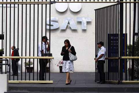 Denuncian a Funcionarios del SAT por Cohecho y Peculado