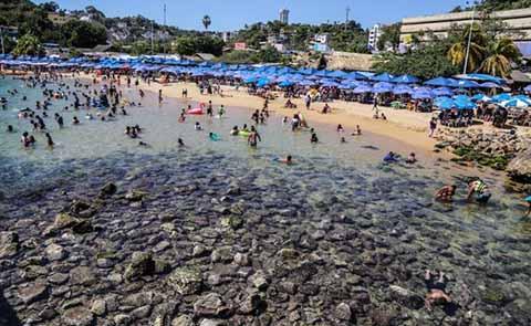 Se Aleja el Mar 20 Metros en Playas de Acapulco