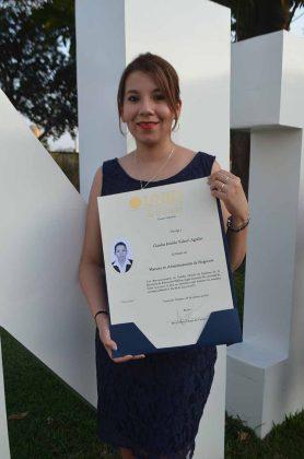 Claudia Imelda Valenti Aguilar, maestra en Administración de Negocios.