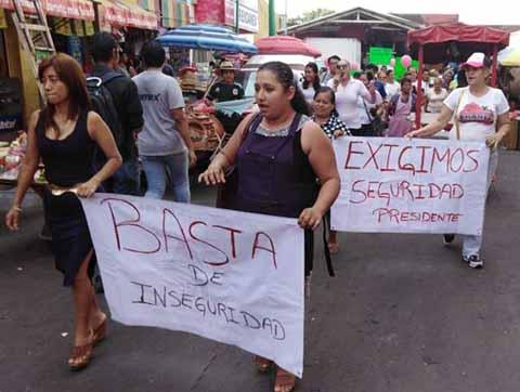 """Marchan Comerciantes del """"San Juan"""" Exigiendo Seguridad Para Tapachula"""