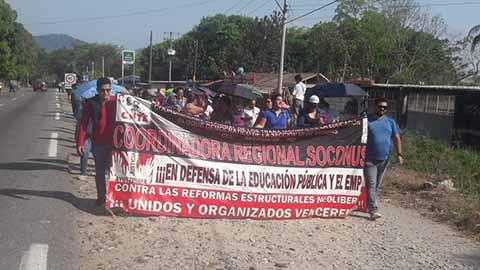 Marchan Maestros en Villa Comaltitlán