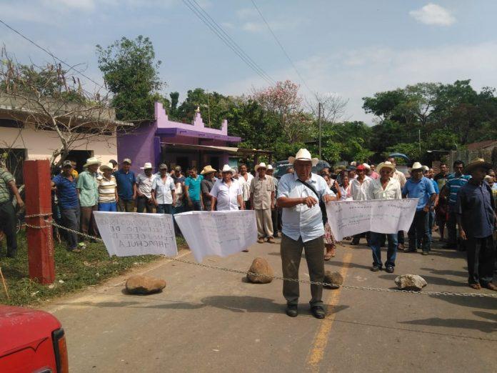 Sin Solución Bloqueo Carretero en Ejido Miguel Hidalgo de Tuxtla Chico