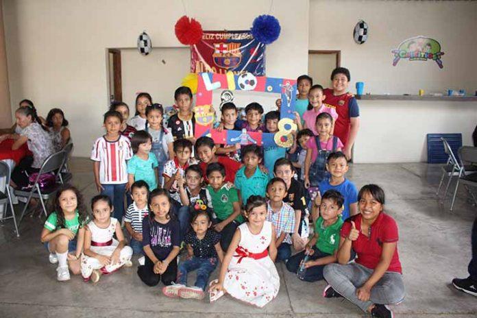 Aldo Robledo festejó en grande su cumpleaños, junto a sus amigos.