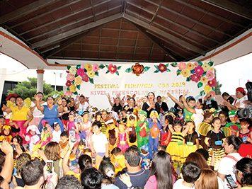Pequeñines celebran la llegada de la Primavera con grandioso festival.