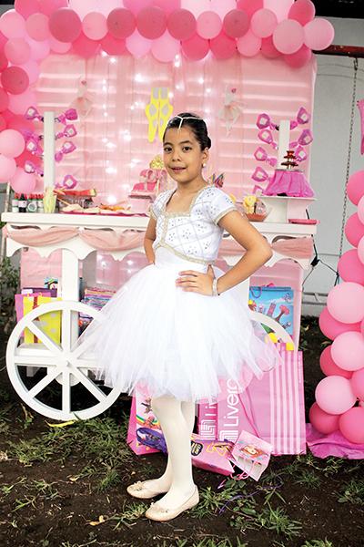 Camila Cruz.