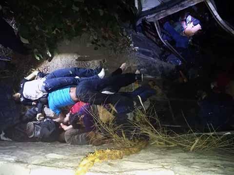 Se Desbarranca Vehículo Dejando 25 Muertos y 26 Heridos