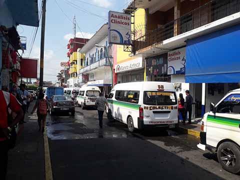 Denuncian Incremento de Asaltos en Paradas del Transporte Público