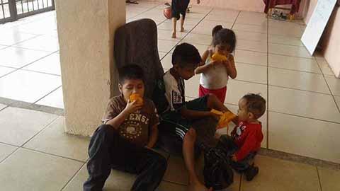 Atienden a Niños no Acompañados de Centroamérica en Albergues de la Frontera Sur