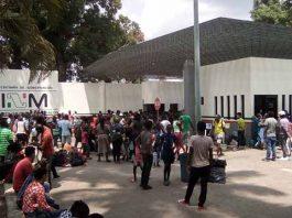 La Estación Migratoria Siglo XXI cerró temporalmente sus instalaciones, luego del altercado que hubo la semana pasada, cuando donde cientos de cubanos protestaron al no ser atendidos rápidamente sus trámites migratorios.