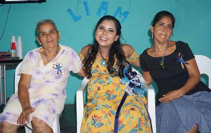 Virginia Rivera & María del Carmen Tovar, celebraron la próxima maternidad de María Rivera y el nacimiento de su nieto Liam.