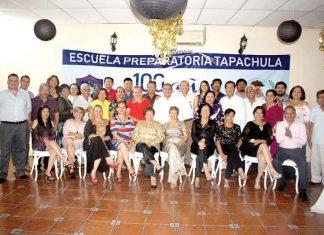Docentes en activo y jubilados de la Prepa 1, festejaron el Centenario de esa institución educativa