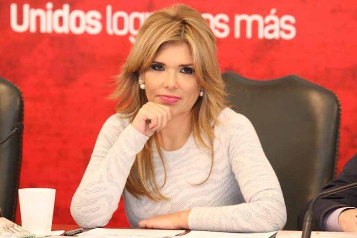 Gobernadora de Sonora Denuncia Amenazas Contra Ella y su Familia