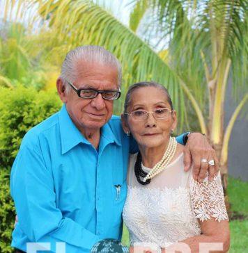 Fernando Ricardez celebró a su bella esposa: Elda Martínez pos su octagésimo segundo cumpleaños