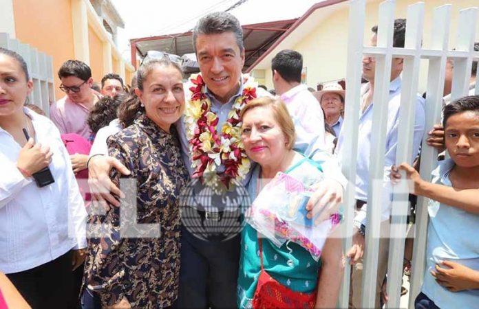 """Reconoce Gobierno de Chiapas a Docentes en el """"Día del Maestro"""""""