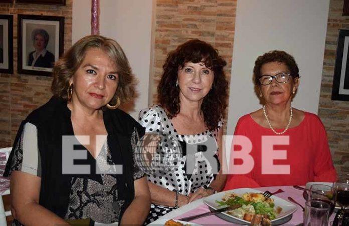 El Colegio de Ingenieros Civiles de Tapachula, celebró a las mamás de su membresía, entre ellas: Victoria, Ofelia de Ayala, Paty Trejo.