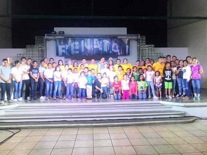 """Talentosos jóvenes se unieron para recaudar víveres para los albergues infantiles de la ciudad, en el marco del evento: """"Un kilo de sonrisas"""""""