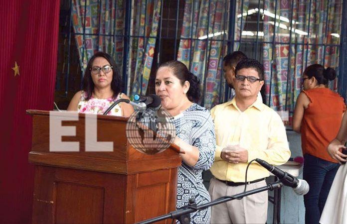 La Directora de la institución Elida Esther Lugo felicitó a las madres en su día.